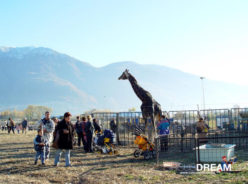 Schweizer National-Circus Knie - Locarno TI 2003