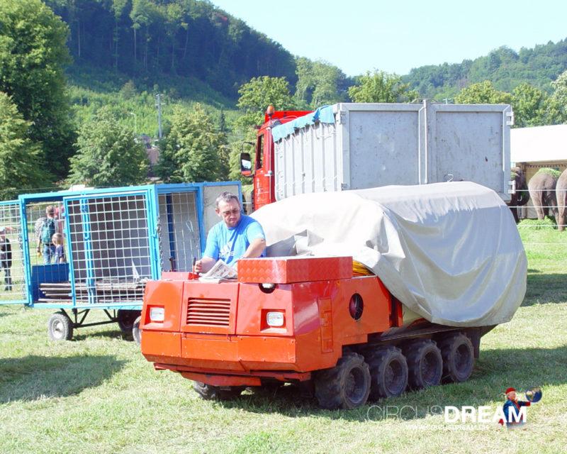 Schweizer National-Circus Knie - Aarau AG 2004